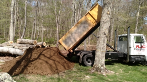Soil Delivery - Salem, CT