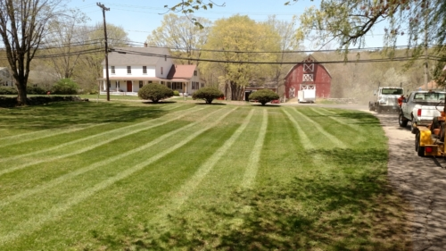 Weekly Mowing Service, Norwich, CT
